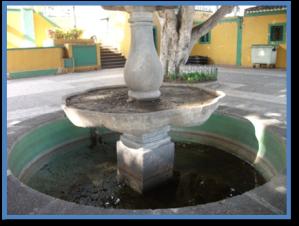 Fuente sin agua del actual parque municipal