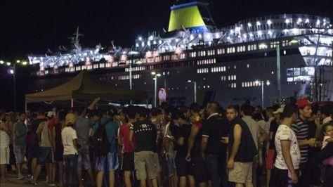 refugiados-alojados-buque-griega-Kos_EDIIMA20150817_0478_4