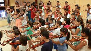 Barrios-orquestados-ensayos-ninos_EDIIMA20151007_0180_19