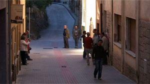 Imagen de uno de los momentos de la película donde se ve una calle de Figaró.